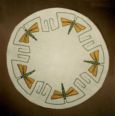 """Dragonfly Table round, 20"""" dia."""